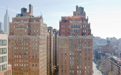 London Terrace Towers at 410
