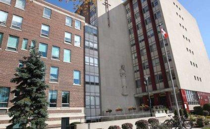 Hospital in Windsor, ON